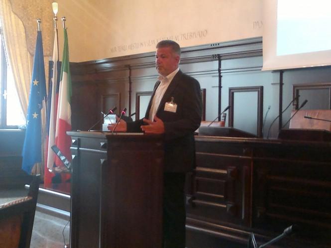 dr. Mitja Bricelj, MKO, je predstavil prispevek Modra rast in Strategija EU za Jadransko-jonsko makroregijo