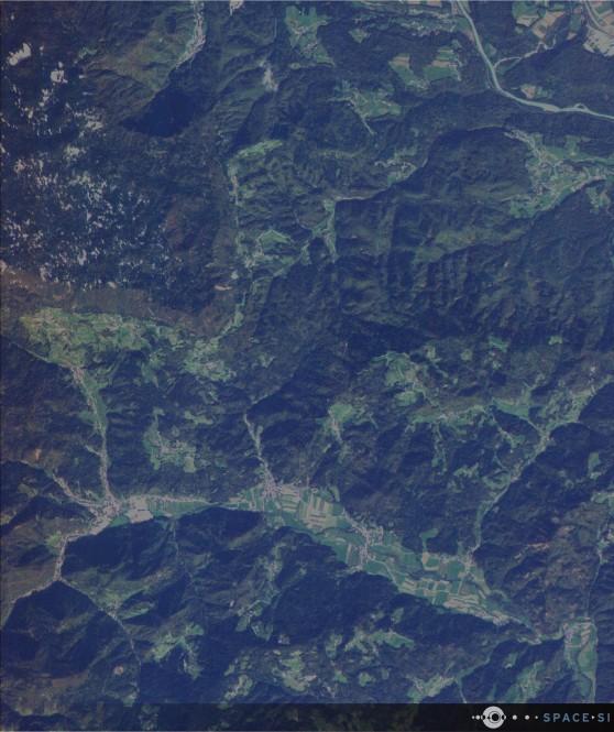Večspektralni RGB posnetek Železnikov in Selške doline, ki ga je NEMO-HD posnel 14. 10. 2020