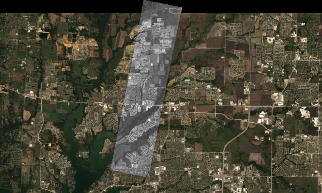 Primerjava posnetka NEMO-HD v rdečem spektru s podatki iz satelita Sentinel 2 (Dallas, 4. 10. 2020)