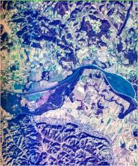 Ormož z akumulacijskim Ormoškim jezerom na reki Dravi - trikanalni naravnobarvni R-G-B prikaz